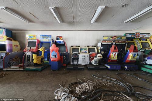 Rợn người các công viên giải trí bỏ hoang ở Nhật - 14