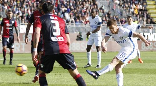 Cagliari - Inter Milan: Công phá đổ sập thành trì - 1