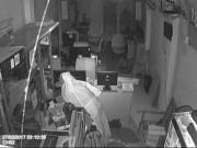 An ninh Xã hội - Giả ma đi ăn trộm, bị cảnh sát 113 bắt tại trận