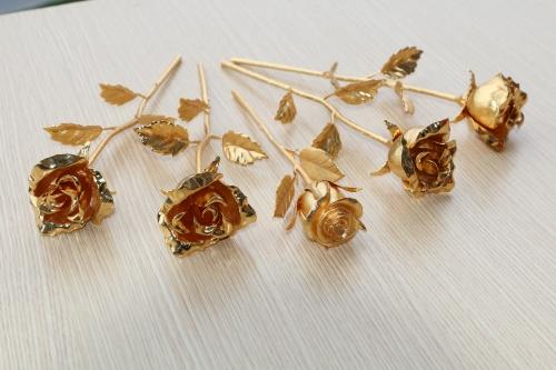 """Xa xỉ phẩm 8/3: Tranh mạ vàng 24k, hoa hồng """"3 trong 1"""" - 5"""