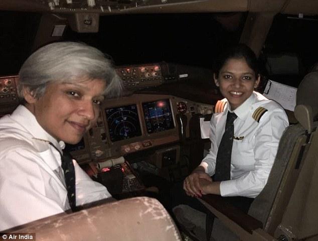 Chuyến bay toàn nữ lập kỉ lục bay vòng quanh Trái đất - 1