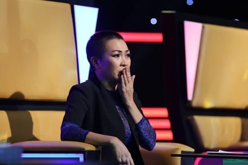 """Chàng trai đeo mặt nạ khiến Phương Thanh """"khủng hoảng tinh thần"""" - 2"""