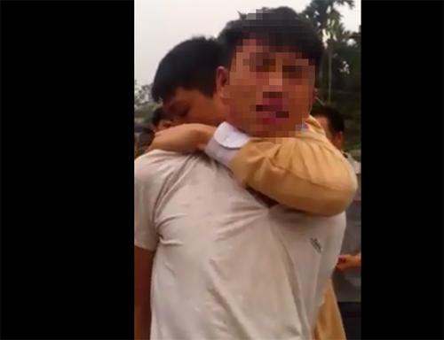 Bị công an bắt giữ, tên trộm khóc lóc xin tha - 1