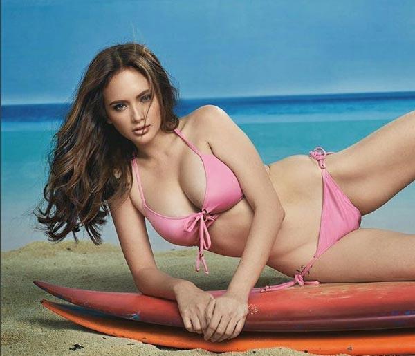 Nữ hoàng bikini Philippines đổ mồ hôi vẫn đẹp tuyệt trần - 2