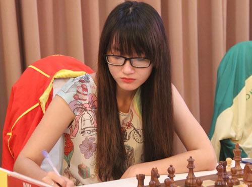 Hot girl cờ vua Việt Nam gây xôn xao làng cờ thế giới - 1
