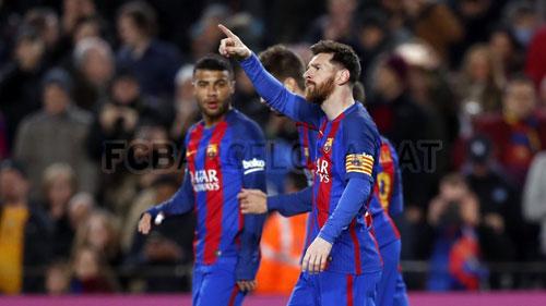 """""""Vua ghi bàn, thánh kiến tạo"""" Messi: Cả châu Âu quỳ gối - 1"""