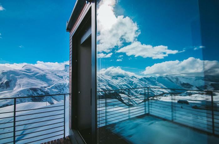 """""""Đã mắt"""" ngắm khách sạn container siêu sang trên núi tuyết - 12"""