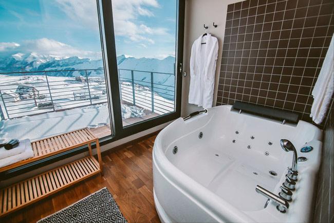 """""""Đã mắt"""" ngắm khách sạn container siêu sang trên núi tuyết - 11"""