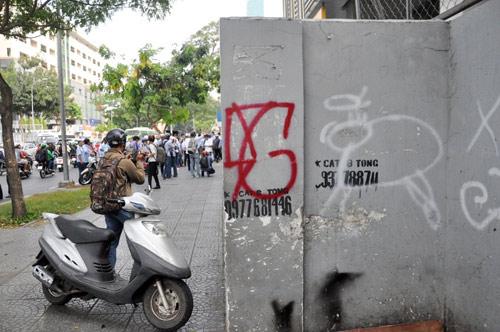 Clip: Ông Đoàn Ngọc Hải chỉ đạo phá tường gần tòa nhà Bộ Công thương - 9