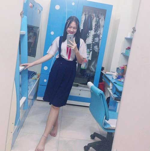 """""""Em vợ"""" 14 tuổi của Hồ Quang Hiếu chân dài như siêu mẫu - 4"""