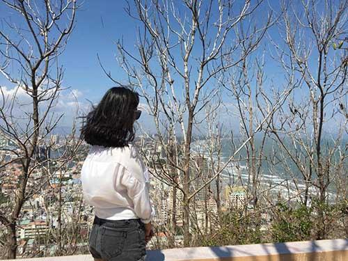 """""""Em vợ"""" 14 tuổi của Hồ Quang Hiếu chân dài như siêu mẫu - 12"""
