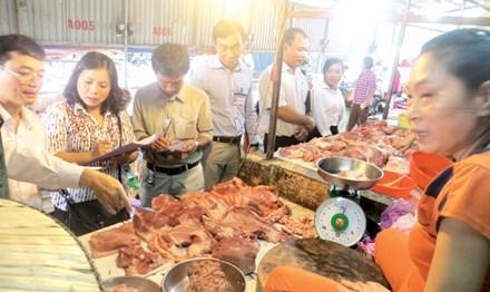 An toàn Thực phẩm: Phải quản từ chợ đầu mối - 1