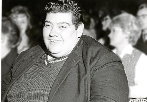 Người đàn ông nặng 2 tạ nhịn ăn suốt 382 ngày - 1
