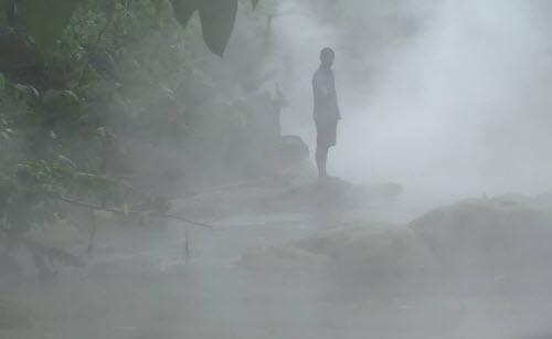 Kỳ lạ dòng sông nước sôi huyền bí giữa rừng Amazon - 2