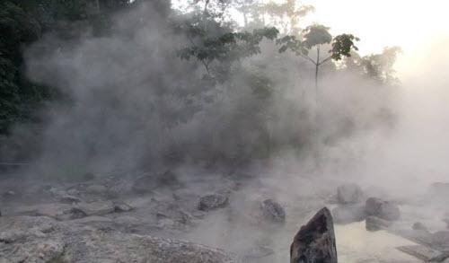 Kỳ lạ dòng sông nước sôi huyền bí giữa rừng Amazon - 4