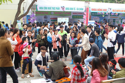 Định hướng nghề nghiệp năm 2017 tại trường Đại học Nông Lâm Bắc Giang - 4