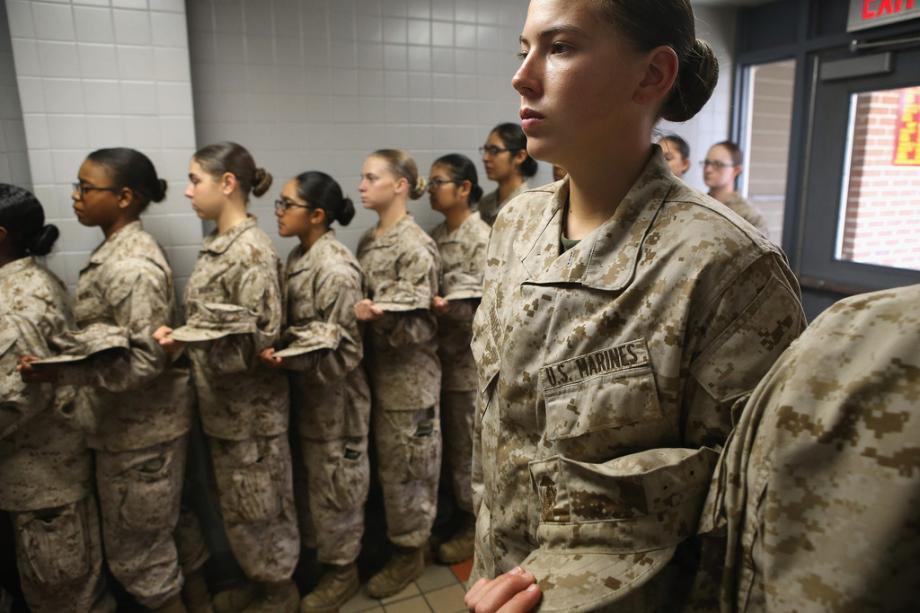 Lính Mỹ dính bê bối ảnh khỏa thân đối mặt án tù nặng nhất - 1