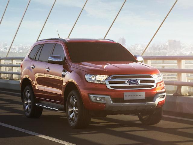 Ford Everest và Focus giảm giá bán tại Việt Nam - 1