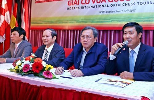 Đại kiện tướng Quang Liêm đấu người đẹp thế giới - 2