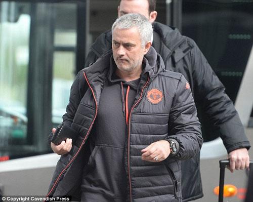 MU đi Nga: Mourinho loại Rooney, dồn sức đấu Chelsea - 4