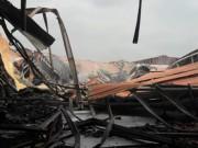 Tin tức trong ngày - Sau tiếng nổ lớn, nhà kho hơn 1.000m2 rực lửa