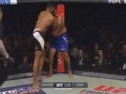 """Thể thao - UFC: Bị """"Tào Tháo đuổi"""" vẫn hạ knock-out đối thủ"""