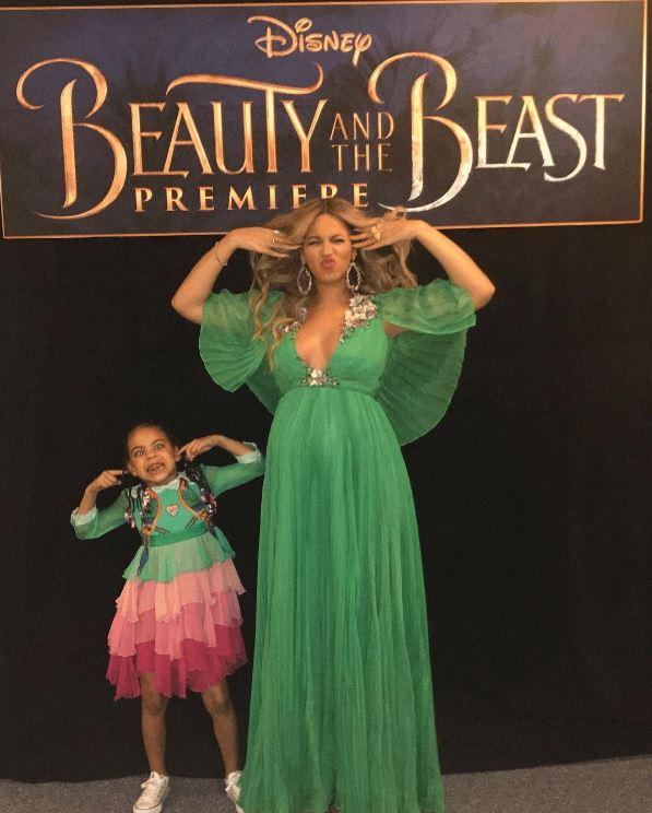 """""""Phát hờn"""" chiếc váy thiếu nhi 600 triệu của ái nữ Beyonce - 4"""