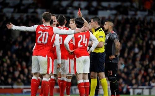 Góc chiến thuật Arsenal - Bayern: Cơn ác mộng phản công - 2