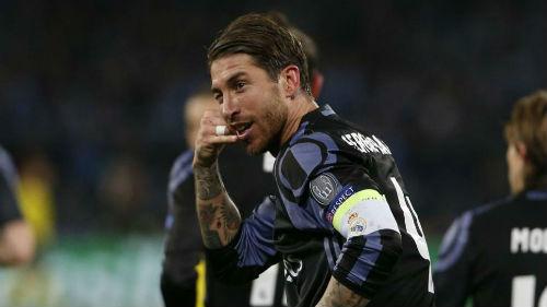 """Real: Ramos ăn mừng kiểu """"gọi điện"""", """"đá xoáy"""" Messi - 1"""