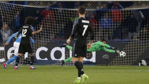"""Real thủng lưới, Ronaldo nổi giận """"mắng"""" đồng đội - 1"""