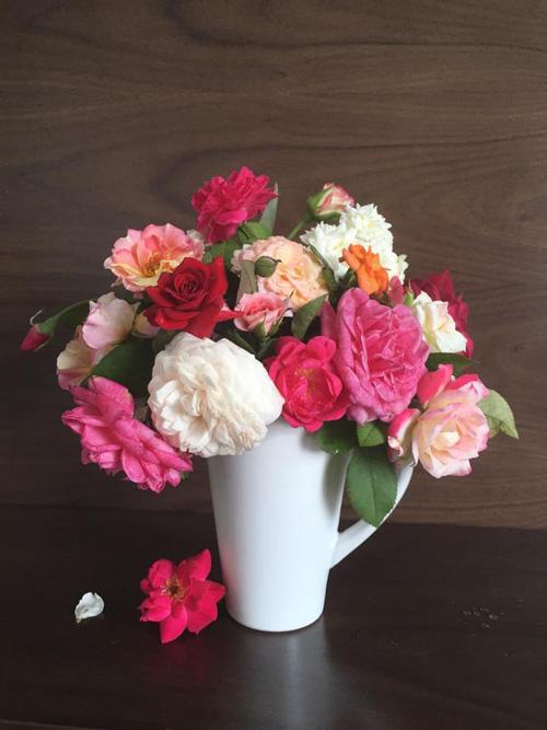 Học bà mẹ Hà thành cắm hoa cực đẹp cho ngày 8/3 - 10