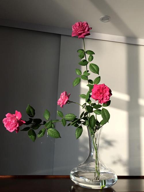 Học bà mẹ Hà thành cắm hoa cực đẹp cho ngày 8/3 - 8