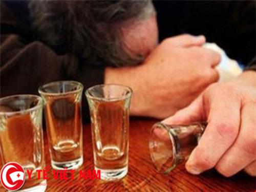 Ngộ độc rượu methanol phá hủy cơ thể thế nào? - 1