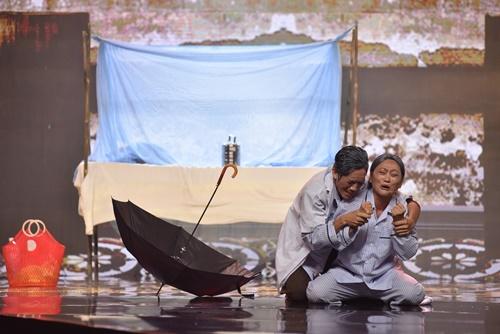 Hoài Linh bật khóc với chuyện tình vợ chồng tào khang - 1