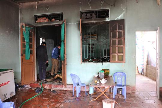 2 bố con chết cháy ở Thanh Hóa: Giết con rồi tự thiêu - 1