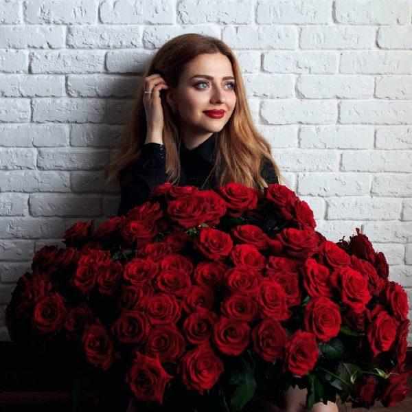 """8/3 rộ mốt cho thuê hoa và quà sang chảnh để chụp ảnh """"sống ảo"""" - 5"""