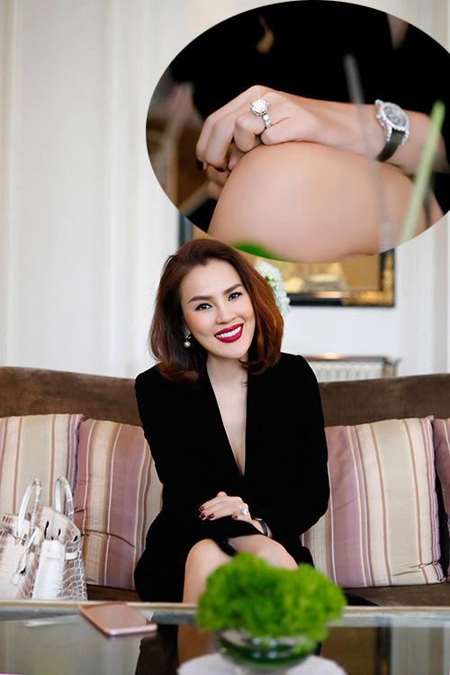 Mỹ nữ Việt được chồng tặng nhẫn kim cương 21 tỷ ngày 8/3 - 1