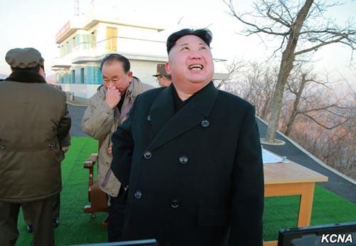 Khoảnh khắc 4 tên lửa Triều Tiên đồng loạt rời bệ phóng - 5