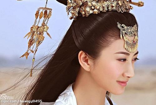 Đằng sau vẻ hút hồn của mỹ nữ Á Đông đóng King Kong - 4