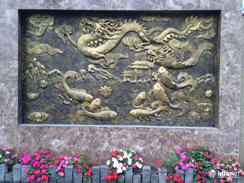 Chiêm ngưỡng cổng biệt thự, tường rào cầu kỳ của các đại gia HN - 13
