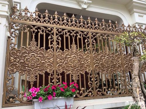 Chiêm ngưỡng cổng biệt thự, tường rào cầu kỳ của các đại gia HN - 14