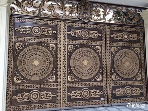 Chiêm ngưỡng cổng biệt thự, tường rào cầu kỳ của các đại gia HN - 3
