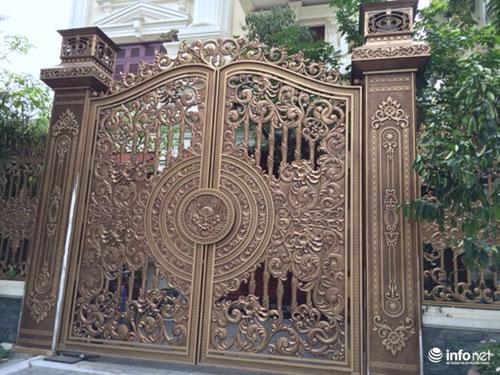 Chiêm ngưỡng cổng biệt thự, tường rào cầu kỳ của các đại gia HN - 4