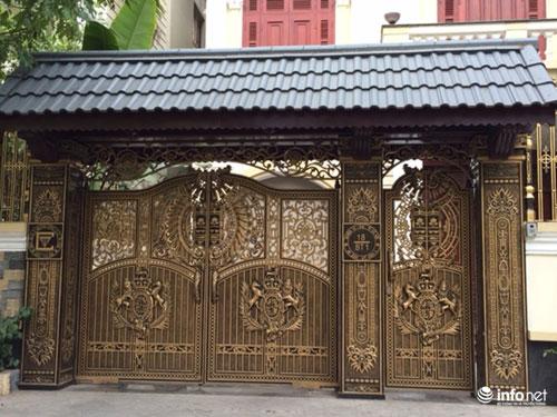 Chiêm ngưỡng cổng biệt thự, tường rào cầu kỳ của các đại gia HN - 5