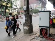"""Tin Hà Nội - Khiếp vía đi trên vỉa hè đầy """"quả bom điện"""" ở Hà Nội"""