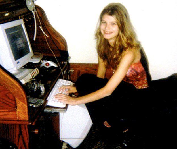 """Cô gái Mỹ bị """"bạn trai"""" online hiếp, tra tấn tàn tệ - 2"""