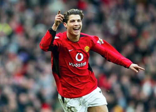 MU & ngôi sao tranh cãi: Ronaldo xuất chúng nhưng chưa vĩ đại? (P3) - 1