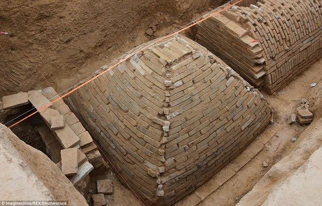Tìm ra mộ cổ trăm năm hình kim tự tháp Ai Cập ở TQ - 1
