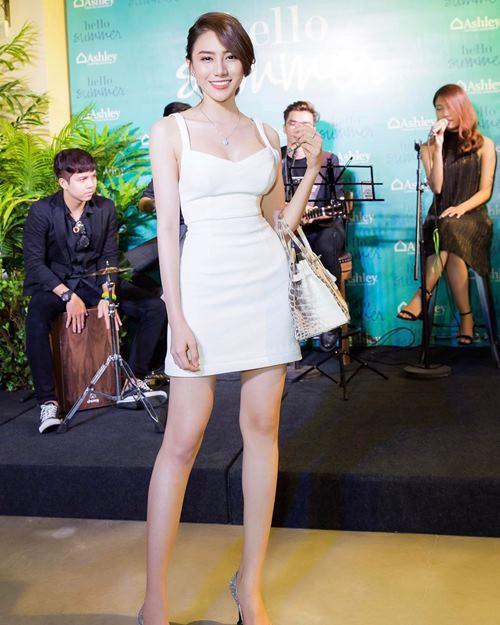 """""""Ngất xỉu"""" trước loạt túi hiệu bằng cả căn biệt thự của mỹ nữ Việt - 4"""