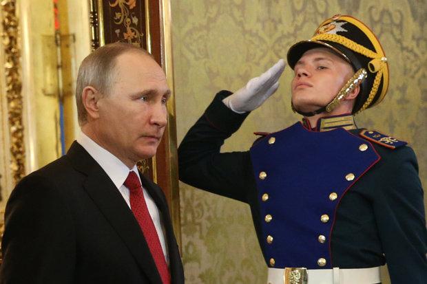 Mặc Trump dọa bắn, tàu quân sự Nga vẫn áp sát bờ Mỹ - 2